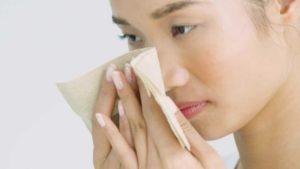 cara membersihkan wajah berminyak secara alami