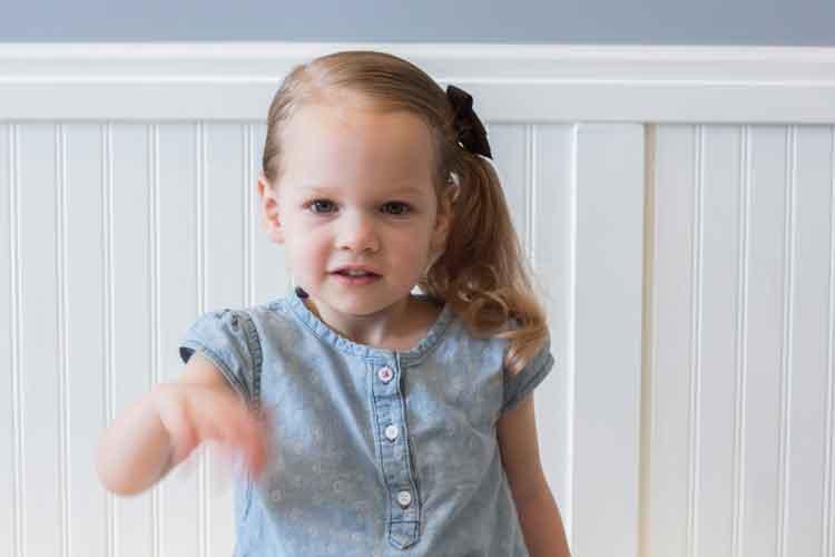 model rambut anak perempuan buat pesta