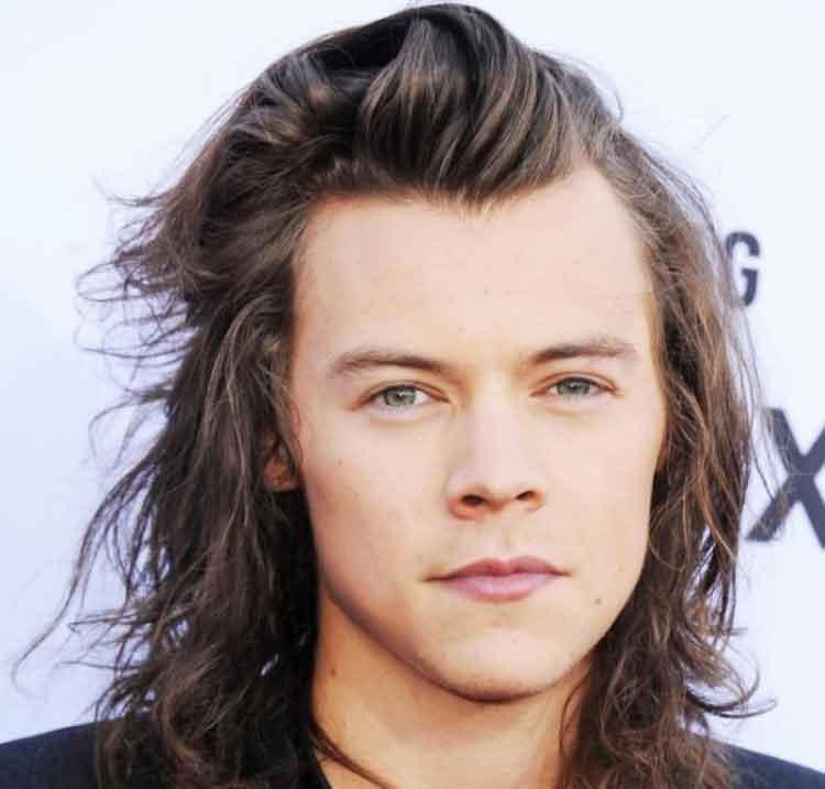 gaya rambut sesuai bentuk wajah untuk pria