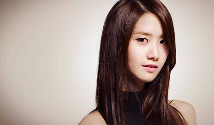 model rambut panjang lurus wanita korea