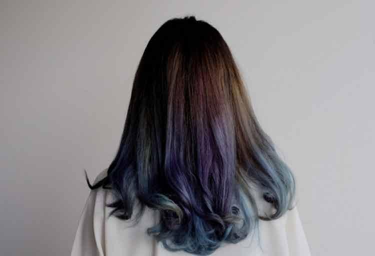 model rambut keriting besar