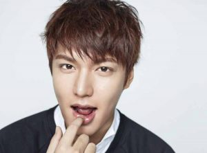 35+ Model Rambut Pria Korea (PENDEK & PANJANG, TERBARU)